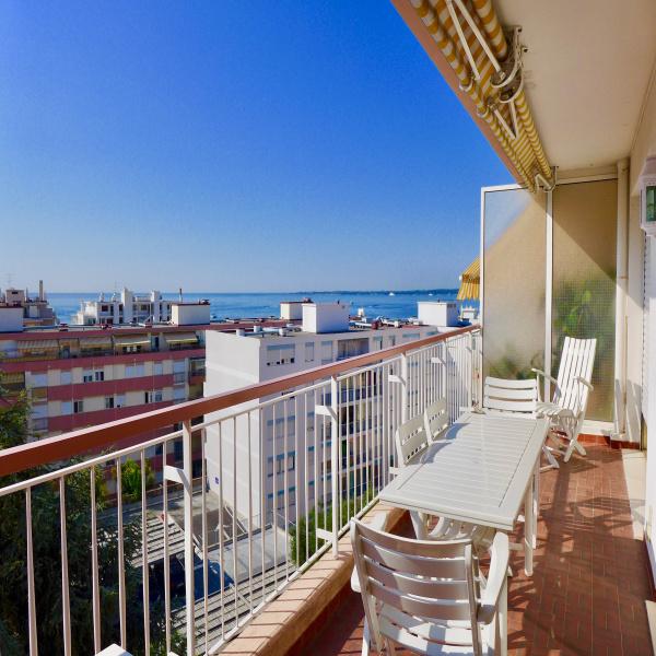 vente appartement le golfe juan maisons et villas le. Black Bedroom Furniture Sets. Home Design Ideas